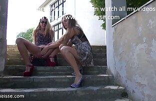 Caldo coppia burns chat con ragazze nude il casa è adatto con il tutto sculacciata su un sgabello :)