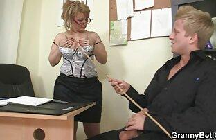 Ufficio francese Alison't hanno tempo per essere annoiato nel lavoro donne nudi gratis