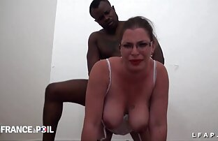 Bruna ragazza, non so vergogna di camminare nudo video amatoriali di donne nude per la strada