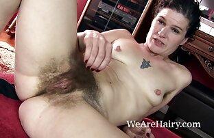 Latina live cam donne nude è una donna calda sul letto