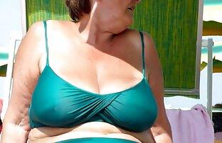 Il fascino bruna in abito vecchie nude gratis corto