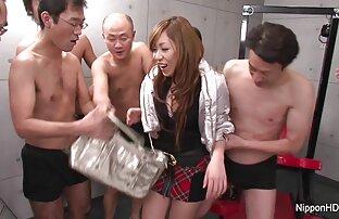 Giovane porno modello alternativamente sedersi su un cazzo ragazze nude free con il suo L. e accarezzando il suo cazzo