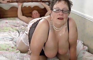 Fica di un modello porno giovane cums forte donne nude in cam dall'ingresso di un vibratore