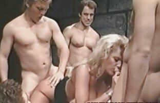 Giovane porno modello micio prende dildo scopata donne nude chat su macchina fotografica