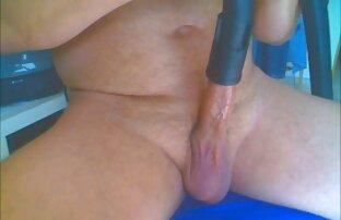 Bella giovane bionda donne nude chat in lingerie di lusso succhiare il cazzo di un ragazzo