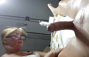 Cornea video donne nude sesso ragazze leccare intorno alla piscina