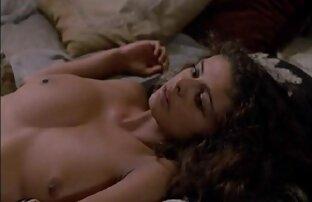 Due procace ragazza matura con grandi tette donne nude e porche organizzare una scopata in bagno