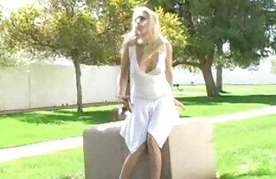 Maturo casalinga kendra lussuria video donne anziane nude spogliarsi e stretching la sua vagina con le dita