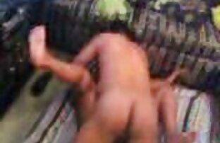 Una donne nude mature gratis giovane ragazza con grandi tette è pronta a soddisfare il cazzo di un ragazzo sul letto in ogni modo possibile