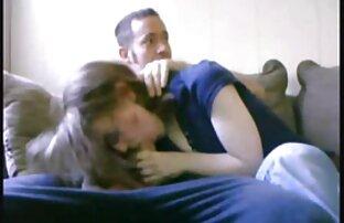 Maturo pornostar scopata signore sposate nude duro da dietro sul divano bianco