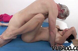Un grosso cazzo nero speronato in profondità nella figa di una donna mature bellissime nude matura