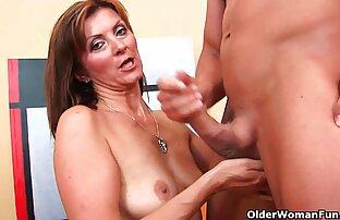 Le mature bellissime nude ragazze fanno ragazzo scioccato guarda con depravazione