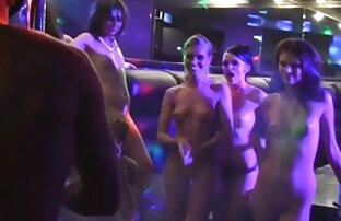 Ragazza video di donne nude lesbiche bionda di unirsi al ginecologo