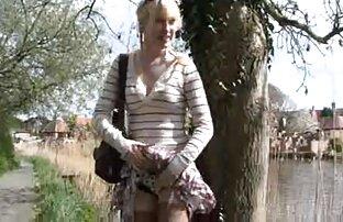 Un dildo in un micio peloso offrire ecstasy a un maturo donna belle nude gratis