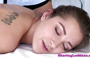 Una donna matura ascolta la lode e accetta di succhiare da un giovane ragazzo donne nude voglio porno