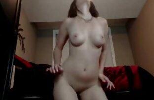Appassionato film di ragazze nude porno star bocciato un uomo sul divano