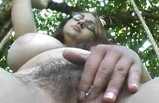 Una donna matura pregò un uomo calvo per il suo cazzo generoso sul divano e lasciare in figa video di donne nude gratis