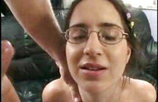 Tizio nonne nude gratis cazzo cums un sacco sul viso di una giovane ragazza dopo accarezzare le palle