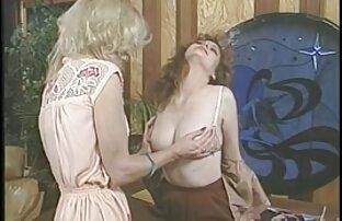Moglie, matura, accappatoio aperto davanti a suo marito e costretto a fare sesso done nude gratis con lei