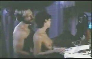 Giovane porno modello delicatamente massaggio rosa micio ragazze nude chat dito
