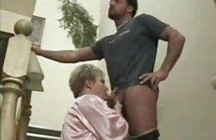 Due splendida vecchie nude gratis procace attrice porno su un fallo eretto