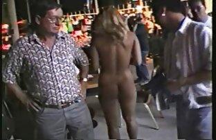 Rossa matura donna permette il suo donne nude gratis on line amante per il suo cazzo sul divano