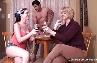 Mangiare carne, accarezzando femmine nude gratis rossa casalinga