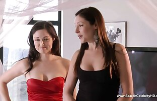 Splendida donna matura con grandi chat con donne nude tette sesso, fumare una sigaretta