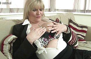 Bruna con un lussureggiante culo, invitare un partner per filmati di donne nude anale con sperma in