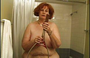 Maturo nudo milf disturba lei peloso micio su il enorme letto su macchina video ragazze nude gratis fotografica