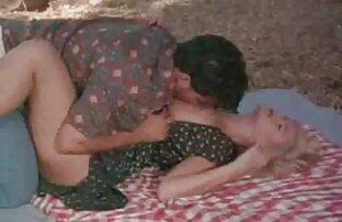 Milf con grande naturale tette selvaggiamente succhia cazzo per dilettante video donne nude sexy film