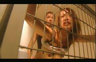 Giovane slut figa è molto dito scopata film con donne nude in una sedia