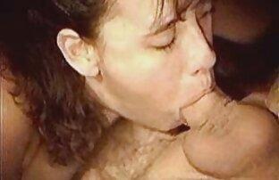 Una giovane cagna prendere un vestito orlato e donne nude chat desideroso sorella, la sua L. con le dita di lei