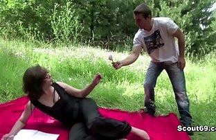 Due troia matura puttane si donne nude gratuito prega di un uomo accanto a lui legato moglie